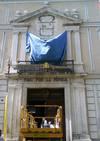 Retiran el escudo franquista del Palacio Real de Valladolid