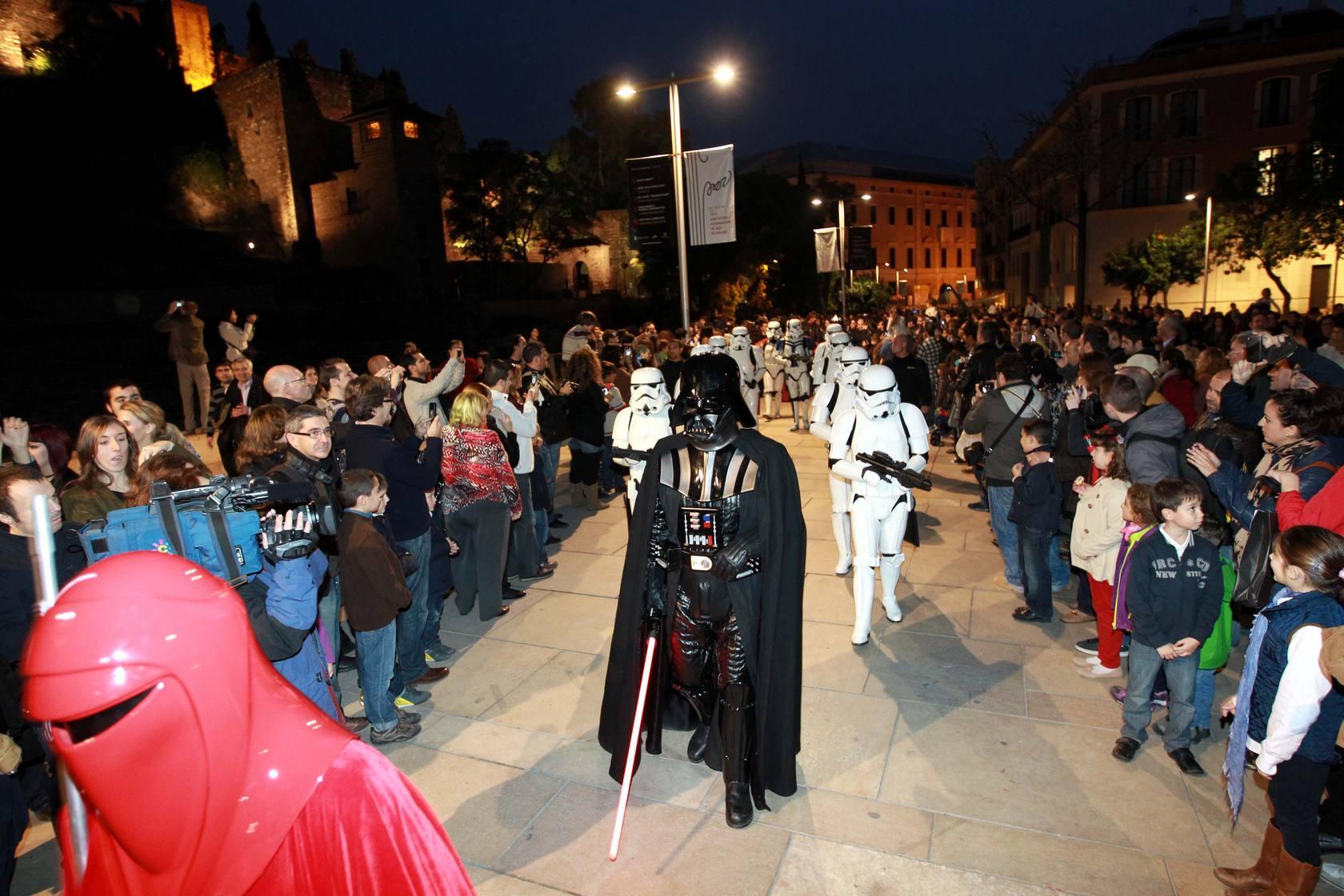Las tropas imperiales vuelven a desfilar por calle Larios